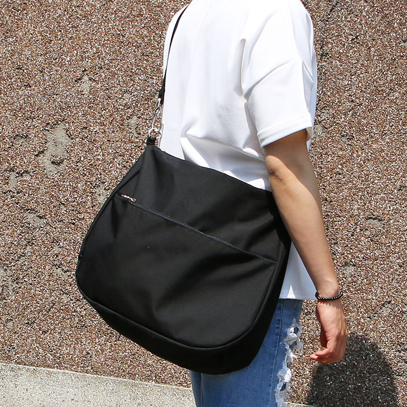 Chic Black Cross Bag_BB05